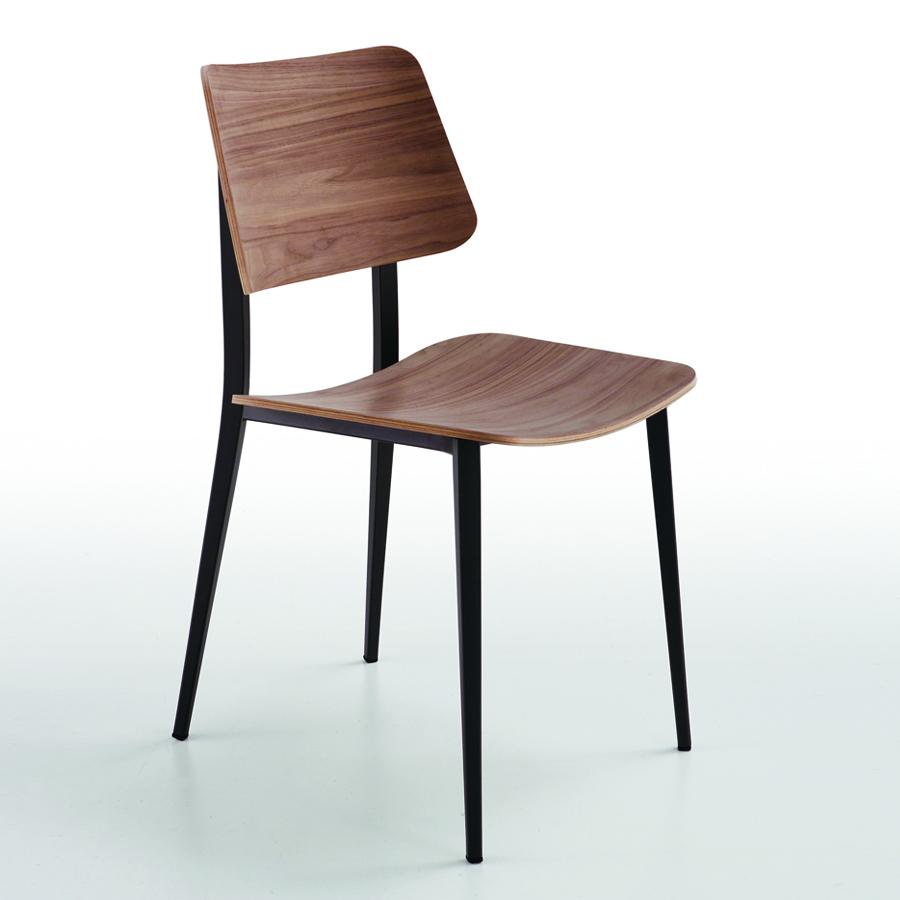 Stuhl aus stahl und holz joe m l arredas for Designertische aus holz